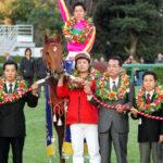 テイエムオペラオー急死!和田竜二騎手との栄光の戦績やライバルとの激闘も【馬楽園的名馬列伝】